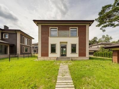 Дом 40750 в поселке Петрово-Дальнее - на topriga.ru