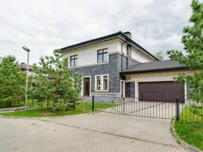 Дом 40758 в поселке Петрово-Дальнее - на topriga.ru