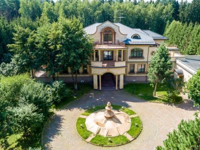 Дом 7400 в поселке Резиденции Бенилюкс - на topriga.ru